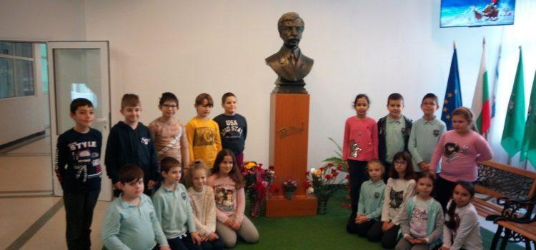 В памет на Яворов